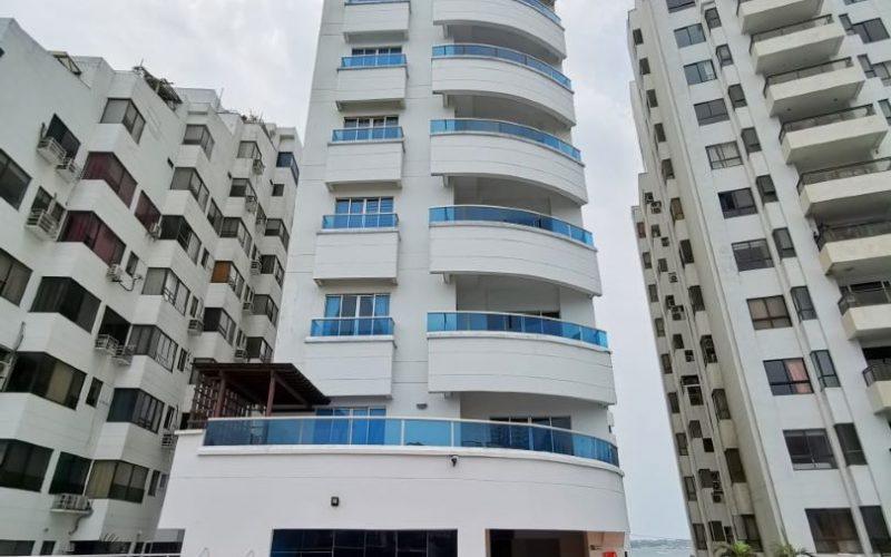 vista panorámica del edificio mirador del laguito en Cartagena que ofrece hermosos apartamentos para alquiler