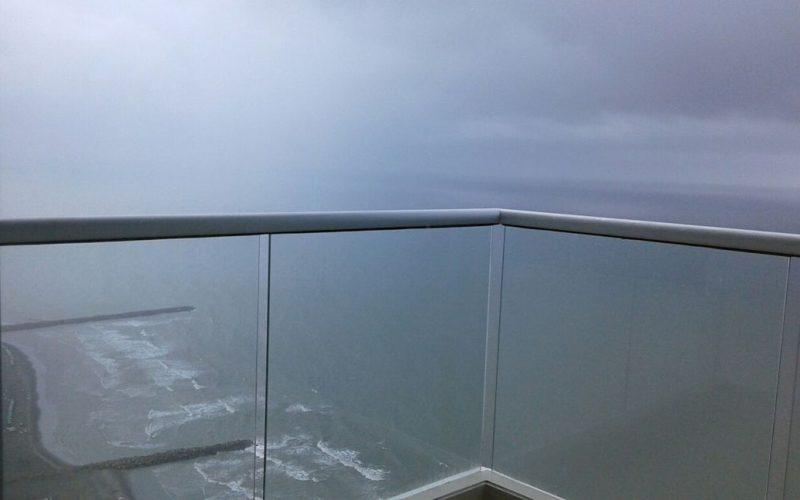 vista desde balcon de apartamento para alquilar por dias al mar de cartagena playa bocagrande edificio palmetto beach